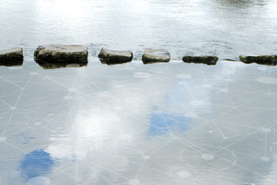 DG_D4E_01_SteppingStones_MT_1.1_600x400